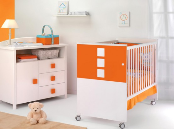во многих кроватках для удобства и безопасности малыша регулируется уровень спального места - Разное фото