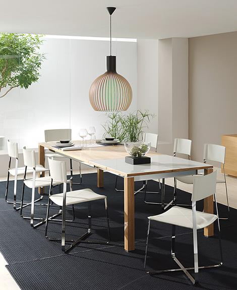 Устойчивость высококачественной мебели от Team 7 - новый журнальный столик Lift, Riletto кровать, стул и Lux Cubus буфет InMotio - Разное фото