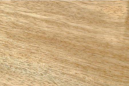 Таун состоит из нескольких пород, которые растут в различных частях Юго-Восточной Азии и Тихого океана. Таун пригоден как для об